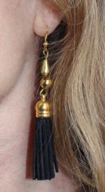 Lichtgewicht Oorbellen met kwastjes TURQUOISE, ZWART, LICHT GROEN, DONKER BRUIN, WIT - Lightweight earrings with tassels TURQUOISE, BLACK, LIGHT GREEN, DARK BROWN. WHITE