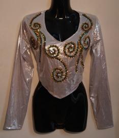Glimtopje ZILVER met lange mouwen, versierd met BLAUW-GROENE kralen en pailletten - one size - Shiny top SILVER decorated with BLUE-GREEN beads and sequins