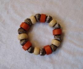 Boho Ibiza grote kralen armband IVOOR ORANJE ZILVER - Bohemian Ibiza big beads bracelet IVORY ORANGE SILVER color