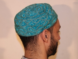 Rond hoofddeksel voor heren TURQUOISE fluweel met gouden borduursel - Round head gear TURQUOISE BLUE velvet for men with golden embroidery