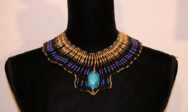 Faraonisch halssnoer met grote scarabee : ZWART, GOUD, TURQUOISE en KONINGS BLAUW-  Hatchepsut Large 1 - Pharaonic  Necklace with Scarab : BLACK, RED, GOLD and ROYAL BLUE