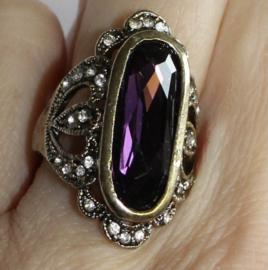 ZILVER kleurige ring met DIEP PAARSE amethist en witte glinstersteentjes - maat 54-55 size - Ring SILVER color with DEEP PURPLE Amethist and small glitterstones inlaid