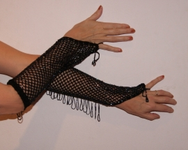 Handschoenen gehaakt ZWART met PARELMOER  kralen - Crochet beaded gloves BLACK with beades fringe OIL COLOR / MOTHER OF PEARL