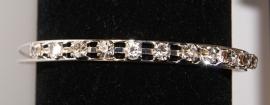 Open armband met Strass steentjes ZILVER kleurig - one size adaptable - Open bracelet with glitter stones SILVER color