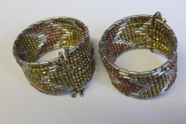 1 Flexibele 3-kleuren Kraaltjes armband GOUD, ZILVER  en KOPER kleur met Faraonisch motief - One 3-colors Flexible, Beaded bracelet  GOLD, SILVER and BRASS color with Pharaonic design