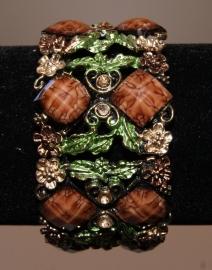 "Metalen frame  Armband  GOUD ""Flower Princess  "" met BRUIN en GROENE versiering - one size - Metal frame Bracelet "" Flower Princess "" GOLD, BROWN and GREEN decorated"