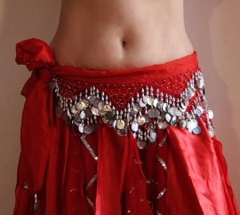 Muntengordel ROOD met ZILVER kralen en muntjes G58 - RED with SILVER Hipbelt with coins and beads G58
