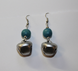 ZILVEREN Belletjes oorbellen met TURQUOISE kraal - SILVER bell earrings with TURQUOISE bead