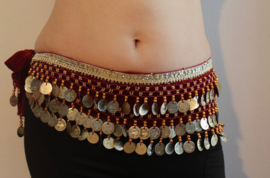 Fluwelen Buikdansgordel met kralen, haakwerk, muntjes, glinsterband  BORDEAUX / DONKERROOD met GOUD -  G54  - Coinbelt for bellydancing crocheted and GOLD decorated with beads, coins and glitter band BURGUNDY, DARK RED