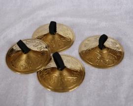 Zills GOUD-kleurig 5,6 cm diameter met Faraonische figuren ingegraveerd - Finger cymbals faraonic design engraved GOLD color