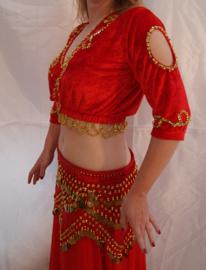 Bloesje top rood fluweel met pailletten versiering en doorkijkje op de schouders