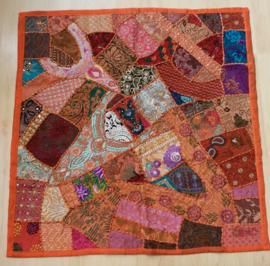 Patchwork Gujarati wandkleed ORANJE, GROEN, ROZE, PAARS pailletten kraaltjes - 100 cm x 100 cm - Gujarati wall decoration ORANGE, GREEN, PINK, beads and sequins patchwork decorated