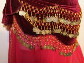 Buikdansgordel van BORDEAUX / DONKER ROOD  fluweel met gouden kralen en muntjes versiering - Model G41 - Bellydance hipbelt on WINERED / DEEP RED velvet, gold decorated