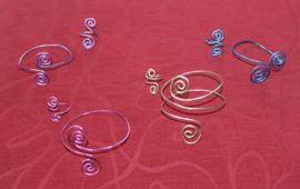 Krullen armband ROZE - one size adaptable - Curly bracelet PINK