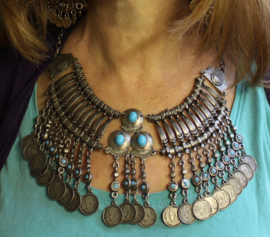 Bohemian hippie chic muntjes Halssnoer faraonisch zilver kleurig turquoise blauw - farao3 - Boho hippy chic, Pharaonic coins necklace silver color turquoise blue