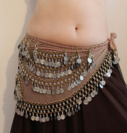 Halfronde buikdans muntjesgordel mousseline chiffon TAUPE / GREIGE met ZILVEREN bogen versierd - S M L - Half circle bellydance coinbelt GREY-BEIGE, SILVER coins and beads decorated