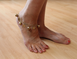 Enkelbandje met muntjes en belletjes in GOUD kleur - anklet GOLD with coins and bells - Chaine de cheville aux sequins Sonnette Clochette