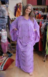 Khaleegy jurk LILA PAARS - Khaleegi  khaliji abaya, dress LILAC PURPLE, SILVER sequins decorated