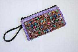 Handtasje met rits en lus, make up tasje PAARS met MULTICOLOR steentjes versiering - PURPLE Make up purse, mini bag, pouch with zipper, MULTICOLORED stones decorated