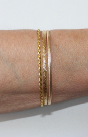 "Mix setje van 3 GOUD-kleurige armbandjes - diameter  6,6 cm S/M Small/Medium - Mixed GOLD colored 3-piece bracelets set ""bangles"""