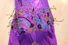 Baladi jurk glans lycra PAARS met PAARS, GOUD, TURQUOISE kralenfranje en kraaltjes en pailletten versiering - 38/40 M/L - Baladi dress PURPLE stretch lycra, beaded fringe and sequins  TURQUOISE, GOLD, PINK decorated