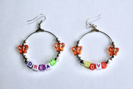 Lichtgewicht Dream Love oorbellen - diameter 4 cm - Lightweight Dream Love earrings