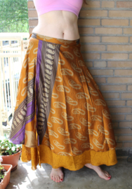 2-lagen Wikkelrok GOUD BRUIN PAARS met kasjmier motief - one size - Wrap and tie 2-layer GOLDEN BROWN PURPLE silk skirt with kashmir Paisley design