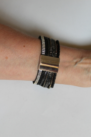 ZWART ZILVER STRASS DIAMANT Armband met magneetsluiting, bestaande uit 7 verschillende armbandjes - one size - BLACK SILVER STRASS DIAMOND Bracelet with magnetical closure, composed from 7 different bracelets