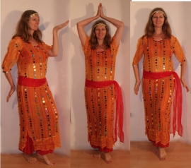 3-delig Cleopatra ensemble : transparante netjurk/tuniek oranje-GEEL met multicolor muntjes+ bijpassend heupsjaaltje + hoofdbandje met muntjes - S M L XL - 3-piece Cleopatra set : transparent net dress orange-YELLOW with multicolored coins + matching hip