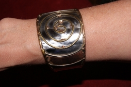 Spiraal Armband ZILVER-GRIJS en GOUD kleurig- Spiral bracelet ZILVER-GREY and GOLD color