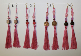 Lange lichtgewicht oorbellen met kwasten ROZE Bohemian hippie chic - Extra Long - Long lightweight tassel earrings PINK Boho hippy chick.