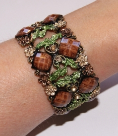 "Metalen frame  Armband  GOUD ""Flower Princess  "" met BRUIN en GROENE versiering - one size - Metal frame Bracelet "" Flower Princess "" GOLD, BROWN and GREEN decorated"
