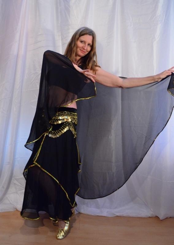 Sluier halfrond met paillettenrand ZWART chiffon, GOUD / ZILVER afgeboord- Halfcircle bellydance veil BLACK chiffon, GOLD or SILVER sequin rimmed