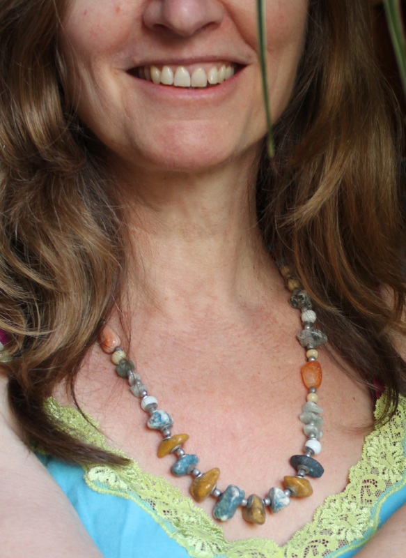 """Halssnoer Boho stijl """"the Naturals"""" met verschillende kleuren stenen en kralen TURKOOIS - Necklace multicolor stones 'The Naturals"""""""