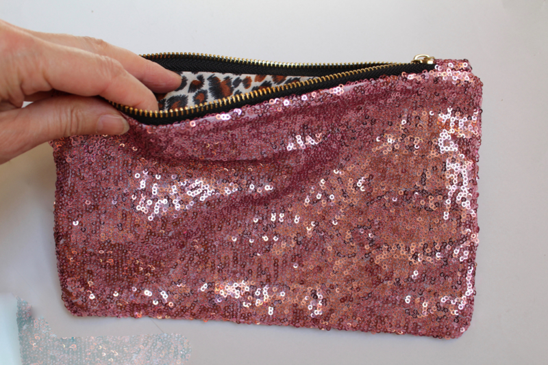 Glitter pailletten party tasje, make up tasje, toilettas met rits VIEUX ROSE - Fully sequinned glitter purse PALE PINK, with zipper for make up or party outfit
