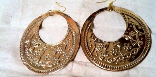 Saidi oorbellen GOUD kleur Egypte met hierogliefen symbolen - diameter 7,5 cm - Saidi earrings GOLD color Egypt with pharaonic symbols
