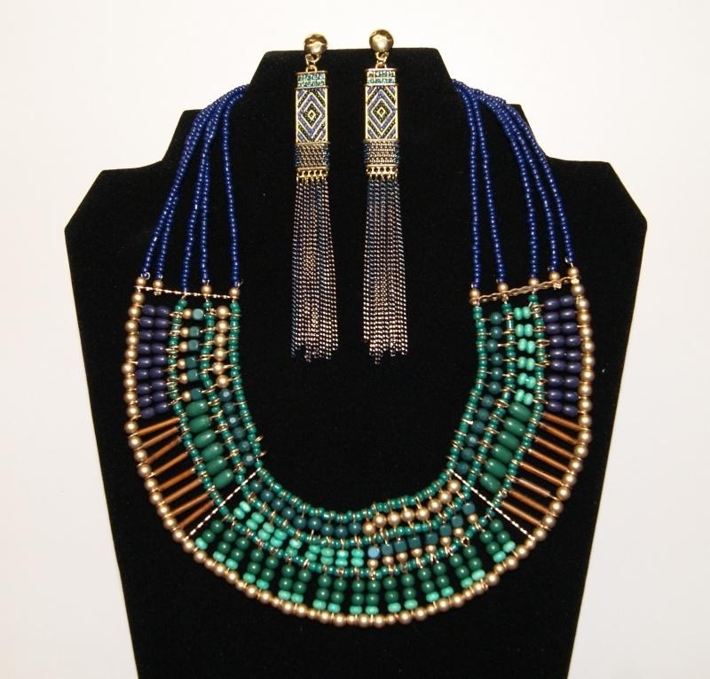 Farao2 Set - Cleopatra juwelen : halssnoer groen blauw goud kleurig + oorbellen met kettinkjes - Cleopatra's Pharaonic jewelry set farao2