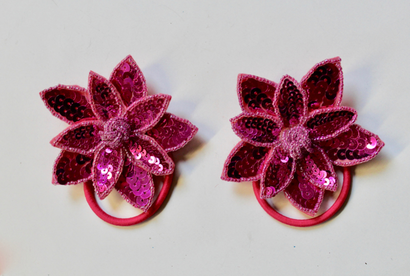 Pailletten applicatie 2 lagen relief : 2 FUCHSIA FEL ROZE / Broches - 8,5 cm diameter -  2 Fully sequinned and beaded 2 layer  FUCHSIA PINK flower / Brooches