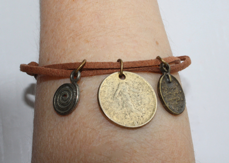 "Veter armband ""Zaaiende Godin en Spiraal"" - one size adaptable - Lace bracelet ""Sowing Goddess and Spiral"""