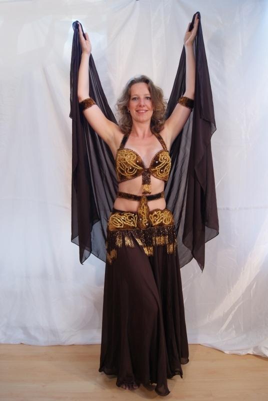 6-delig buikdanskostuum fluweel uit Egypte met taillebandje BRUIN GOUD - 6-piece Egyptian bellydance costume BROWN GOLD