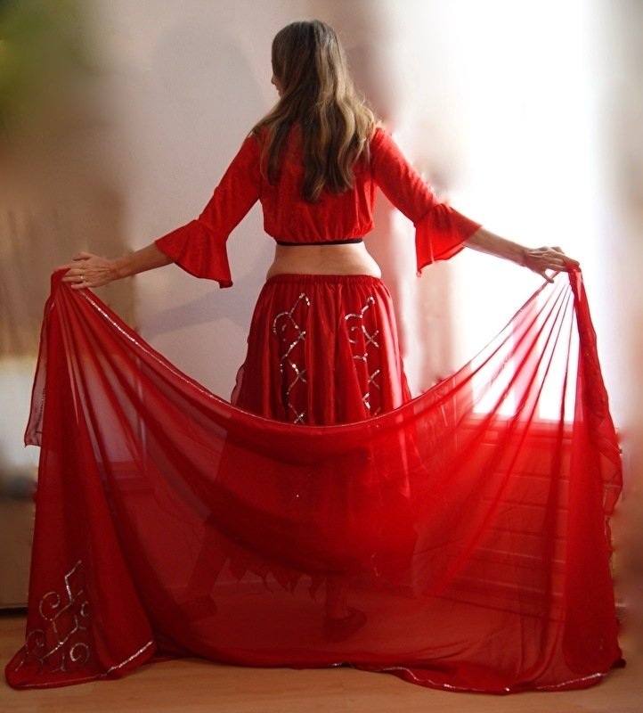 2-delig setje ROOD ZILVER van Gipsy Rok + Sluier van chiffon en satijn met paillettenversiering - 2-piece Gypsy set RED SILVER skirt + veil chiffon and satin embroidered with sequins