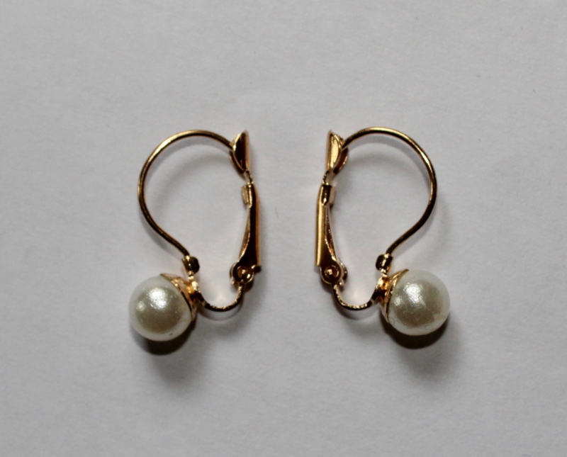 Oorbellen met namaak Parel -  Earrings with fake pearl