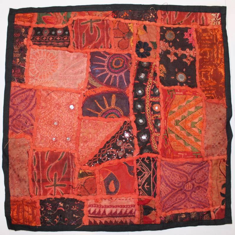 Unieke Gujarati kussensloop in ROOD ORANJE BRUIN ROZE AARDE kleur tinten vierkant - 45 cm  nr2- One of a kind Gujarati Indian pillowcase shades of RED ORANGE BROWN PINK EARTH color