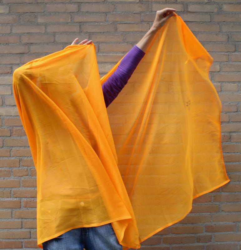 Sluier rechthoekig FEL ORANJE / FLUO ORANJE chiffon met geborduurd dessin - Veil rectangle chiffon, FLUO BRIGHT ORANGE, with embroidered motive