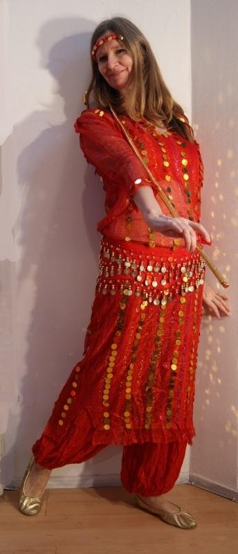 Saidi Netjurk ROOD met plastic muntjes - RED saidi bellydance dress with plastic glitter  coins
