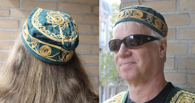 Rond hoofddeksel voor heren / dames ZEE GROEN met gouden borduursel - Round Hat head gear for men / women Arabian Oriental SEA GREEN