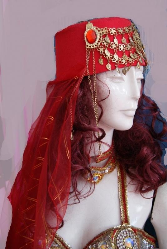 Fez dames rood met sluiertje en sieraad - Ladies oriental head gear hat RED with GOLDEN jewel and veil