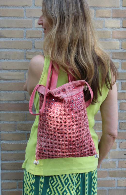 ROZE ROSE hippie schoudertas uit india met spiegeltjes - PINK mirrored Indian hippy bag