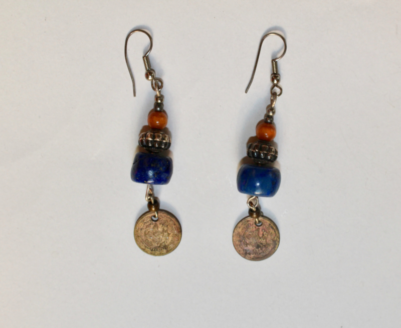 Tibet oorbellen met originele kralen ZILVER , LAPIS LAZULI, muntje - Tibet2 - Tibetan earrings with authentic beads LAPIS LAZULI, SILVER, coin