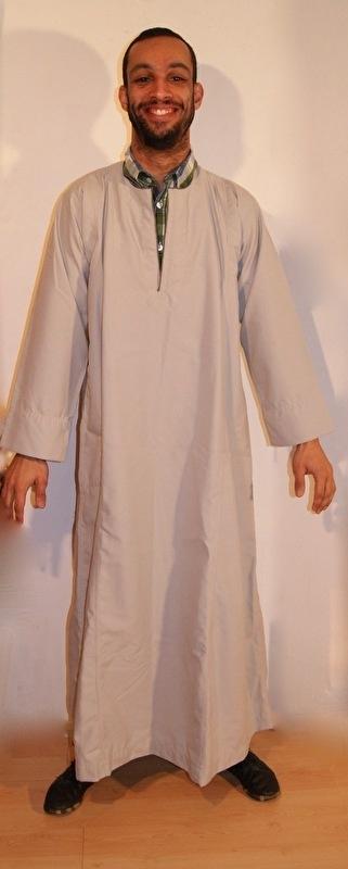 Originele Galabeya uit Egypte voor heren LICHT GRIJS handgemaakt -S Small / M Medium - Authentic Egyptian Galabia long Gear for men SOFT GREY, handmade - Galabia fait main originale d'Egypte pour homme